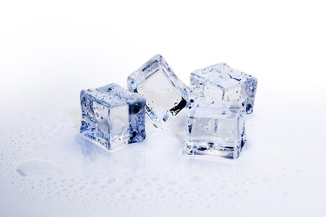 Is giving ice to your dog safe?